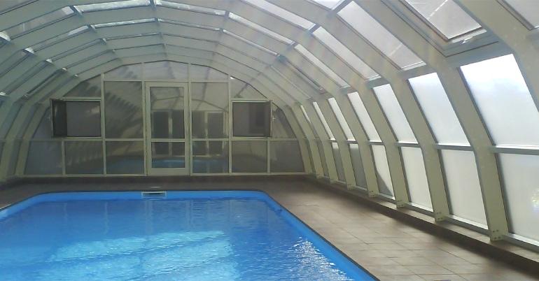 Накриття  над басейном